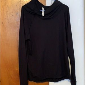 Cowl neck long sleeve pullover